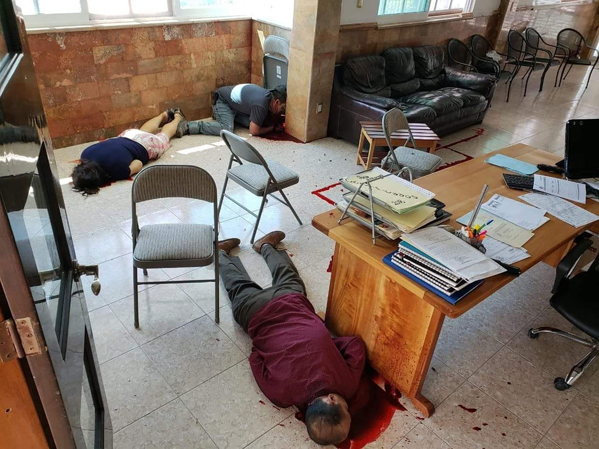 Las víctimas fueron atacadas en las oficinas del Semefo (Foto: @_Gloriousdead69)