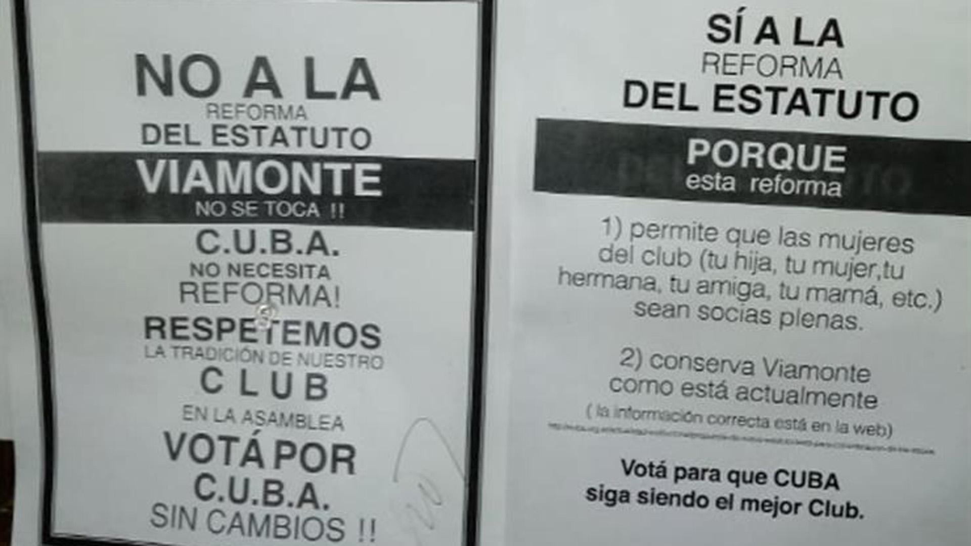 Los carteles a favor y en contra de la reforma que aparecieron en las carteleras del club