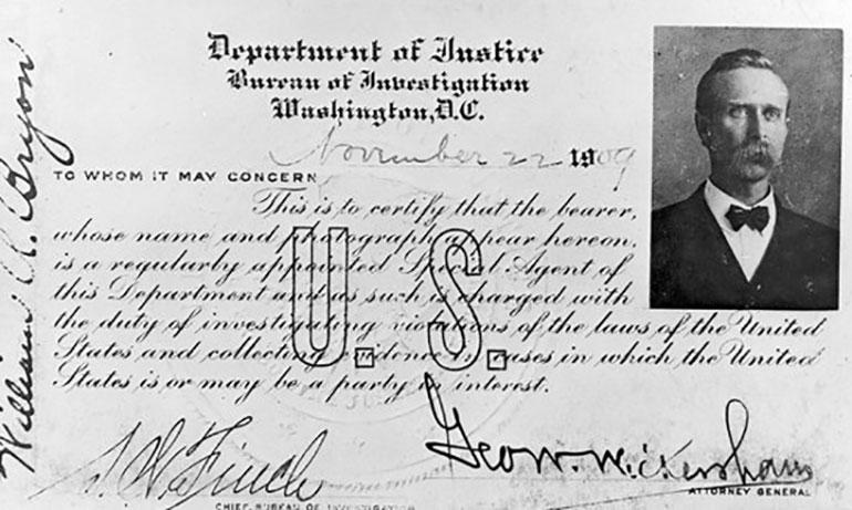 Primeras credenciales de los agentes del FBI