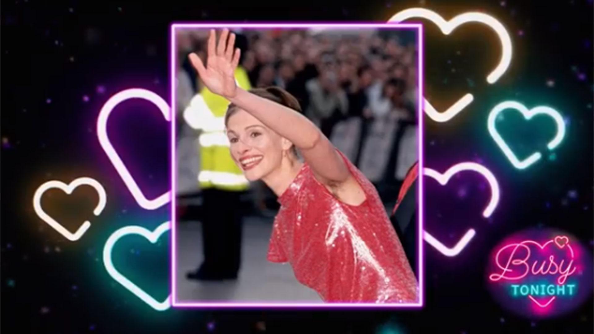 Julia Roberts mostró su axila peluda en el estreno de la película Notting Hill en Londres en 1999 (Captura E! Entertainment)