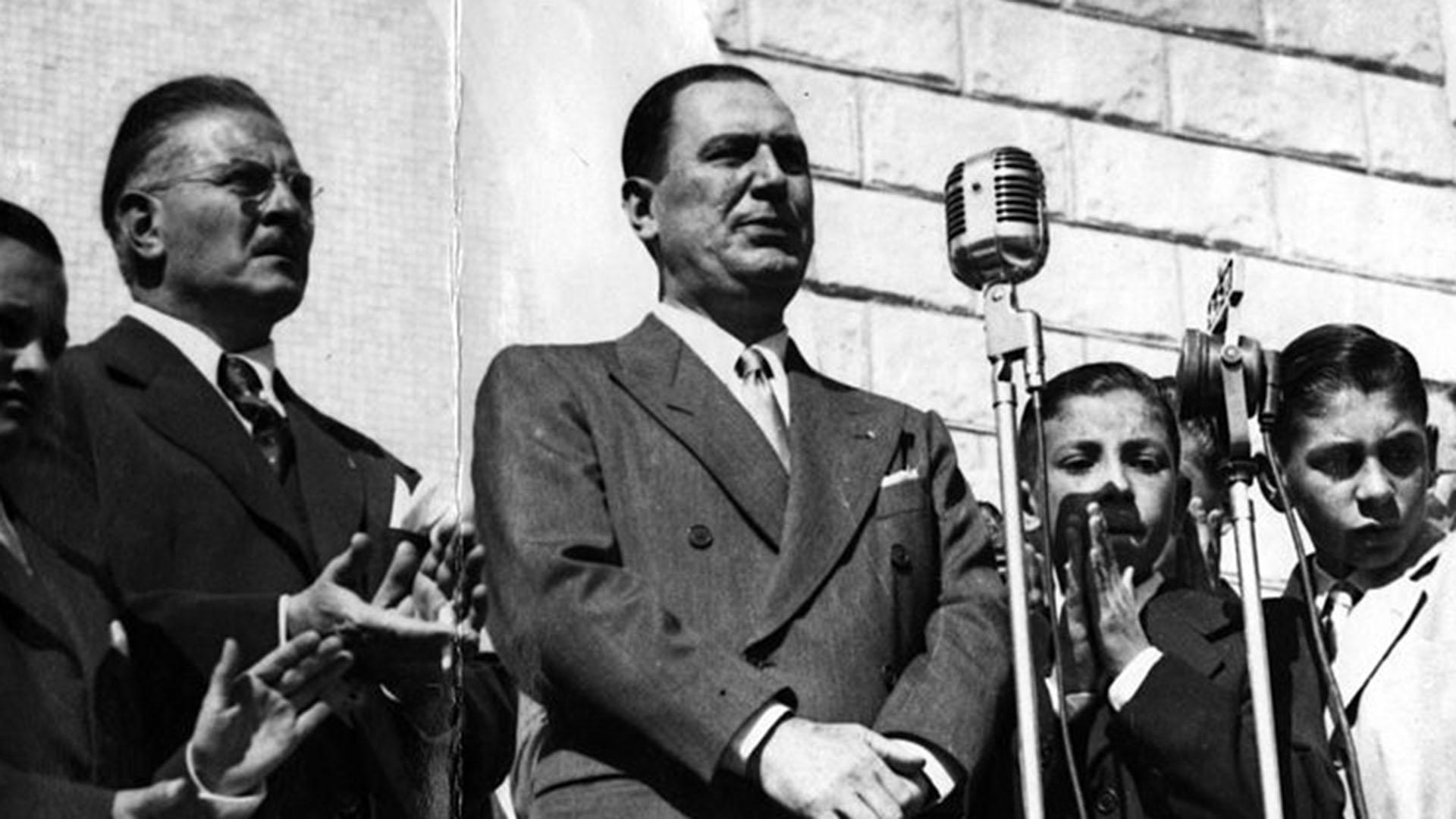 Mercante junto a Perón (Archivo Histórico de la Provincia de Buenos Aires)