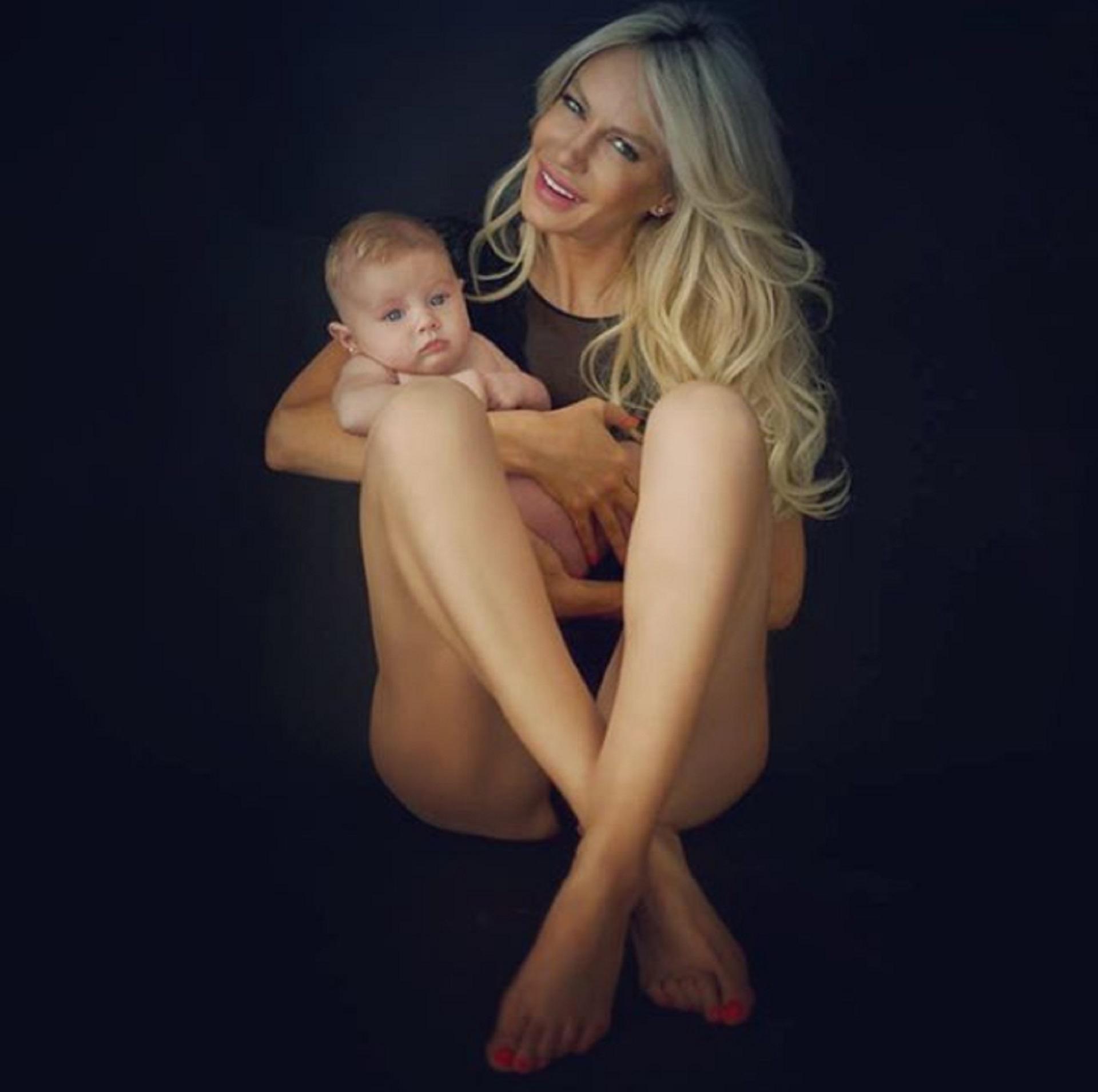 El 15 de diciembre del 2017, llegó Matilda, la hija de Luciana Salazar. La beba nació en Miami, en los Estados Unidos, con un peso de más de 4 kilos