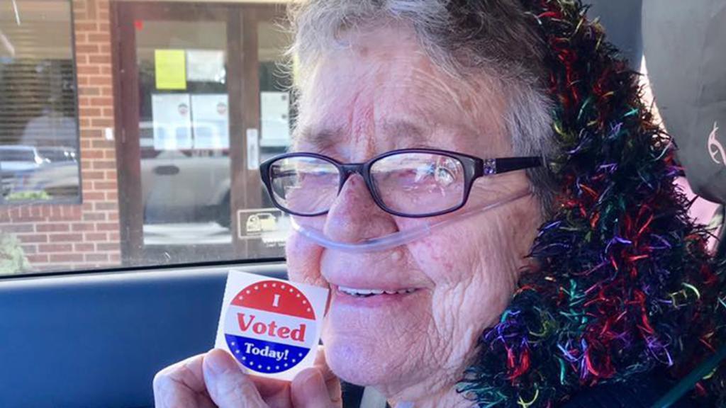A los 82 años, Grace Lou Phillipsquiso votar por primera vez (Terri Griffith/The Washington Post)