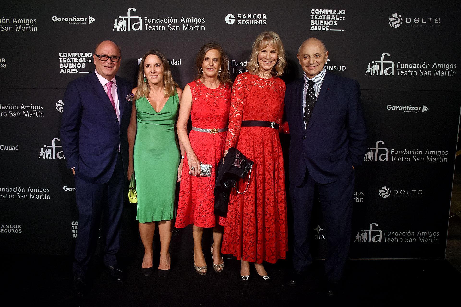 Martín Cabrales, Verónica Zoani de Nutting, Silvia Saravia de Neuss, Pompi Chopitea y Mauricio Wainrot