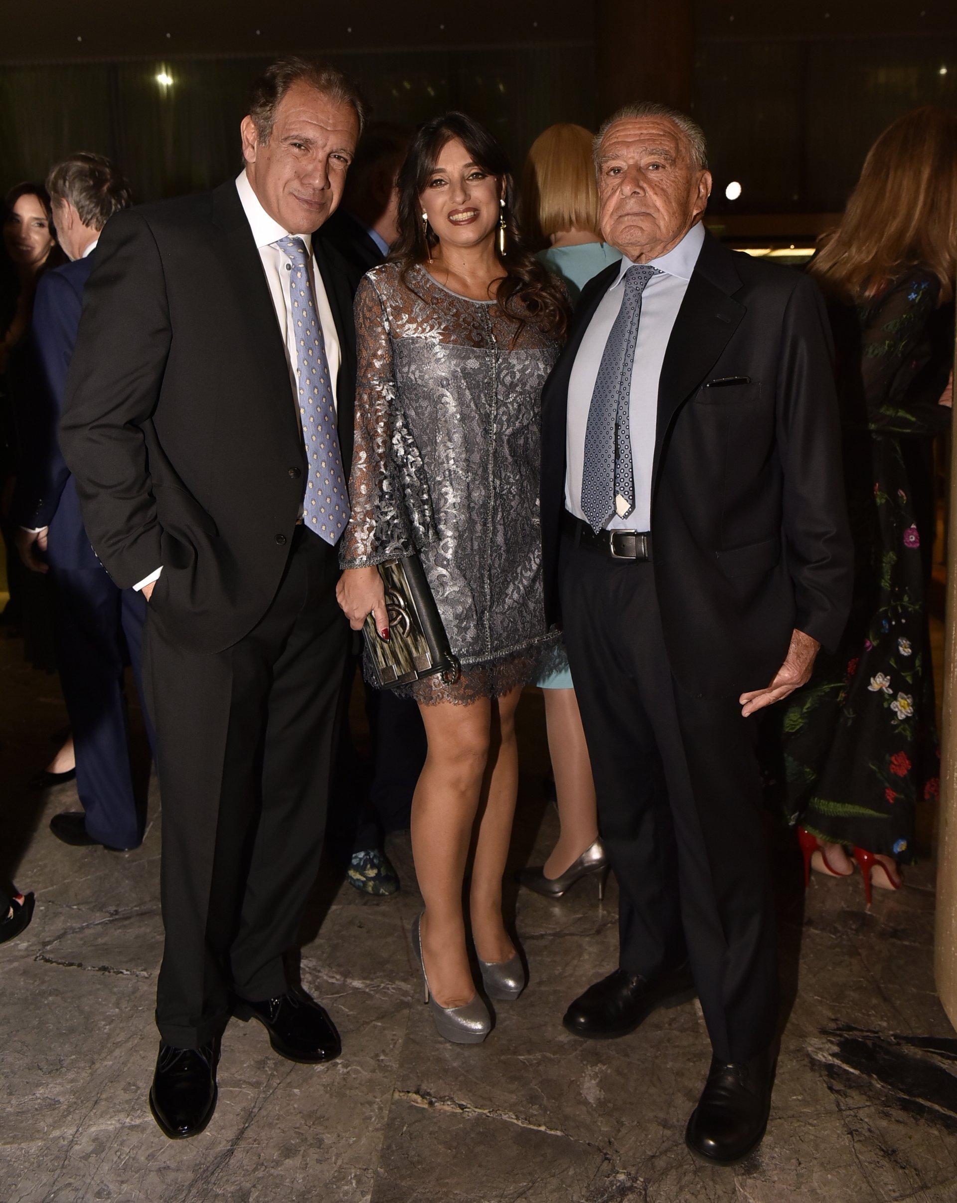 Daniel Hadad, fundador de Infobae; su mujer Viviana Zocco, y Eduardo Eurnekian, presidente de Corporación América