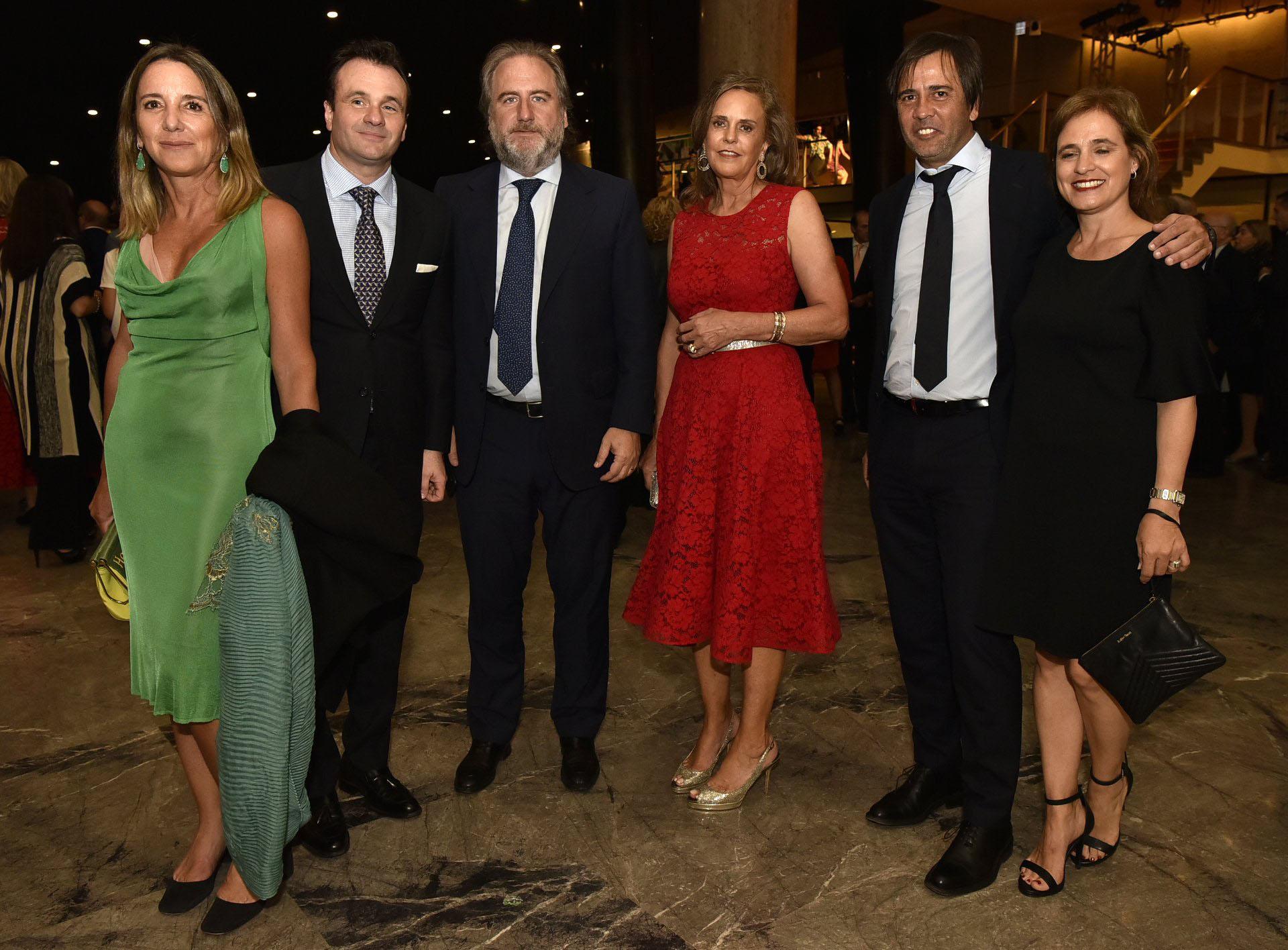 Verónica Zoani de Nutting, Juan Pablo Maglier, Tato Lanusse, Silvia Saravia de Neuss, Santiago Pando y Silvina Pueyrredon
