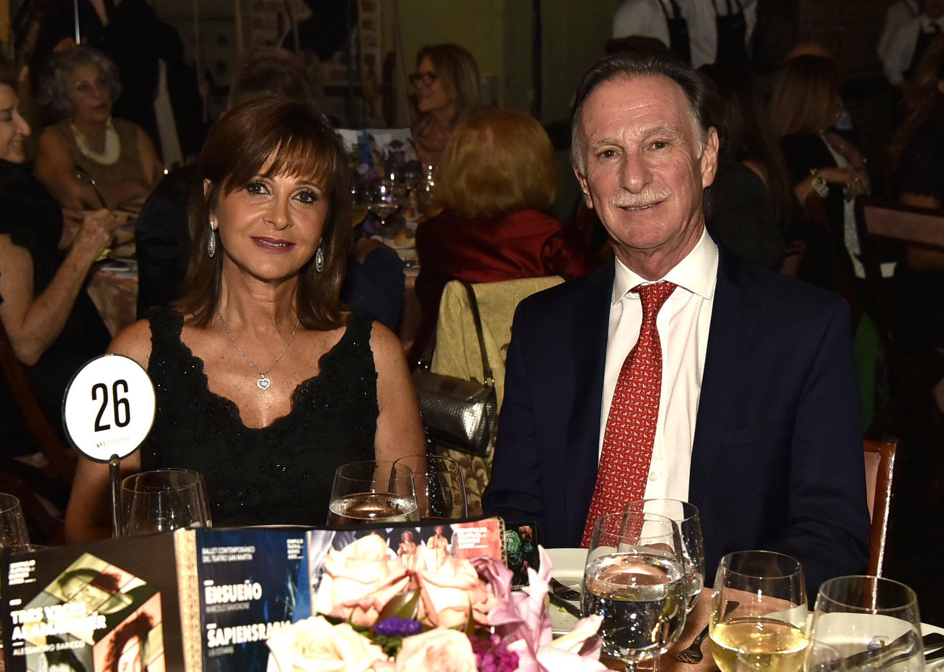 El presidente de la Cámara Argentina de la Construcción, Gustavo Weiss, y su mujer Myriam Levy
