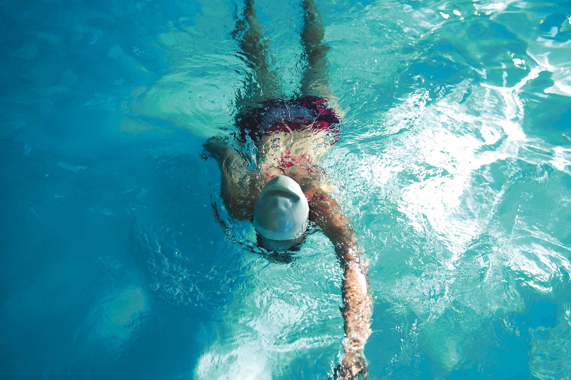 """En natación, el """"agente agresor"""" es el cloro."""
