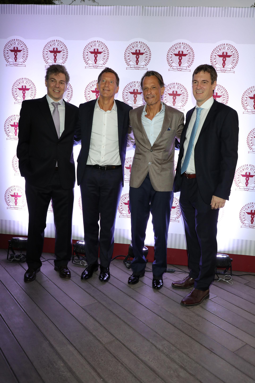 El Dr José De All junto a Pablo Herman, vicepresidente de Swiss Medical Group; Claudio Belocopitt, presidente de Swiss Medical Group; y el Dr Jorge De All