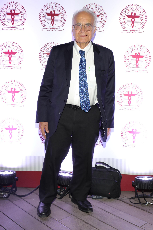 El Dr Daniel Stamboulian