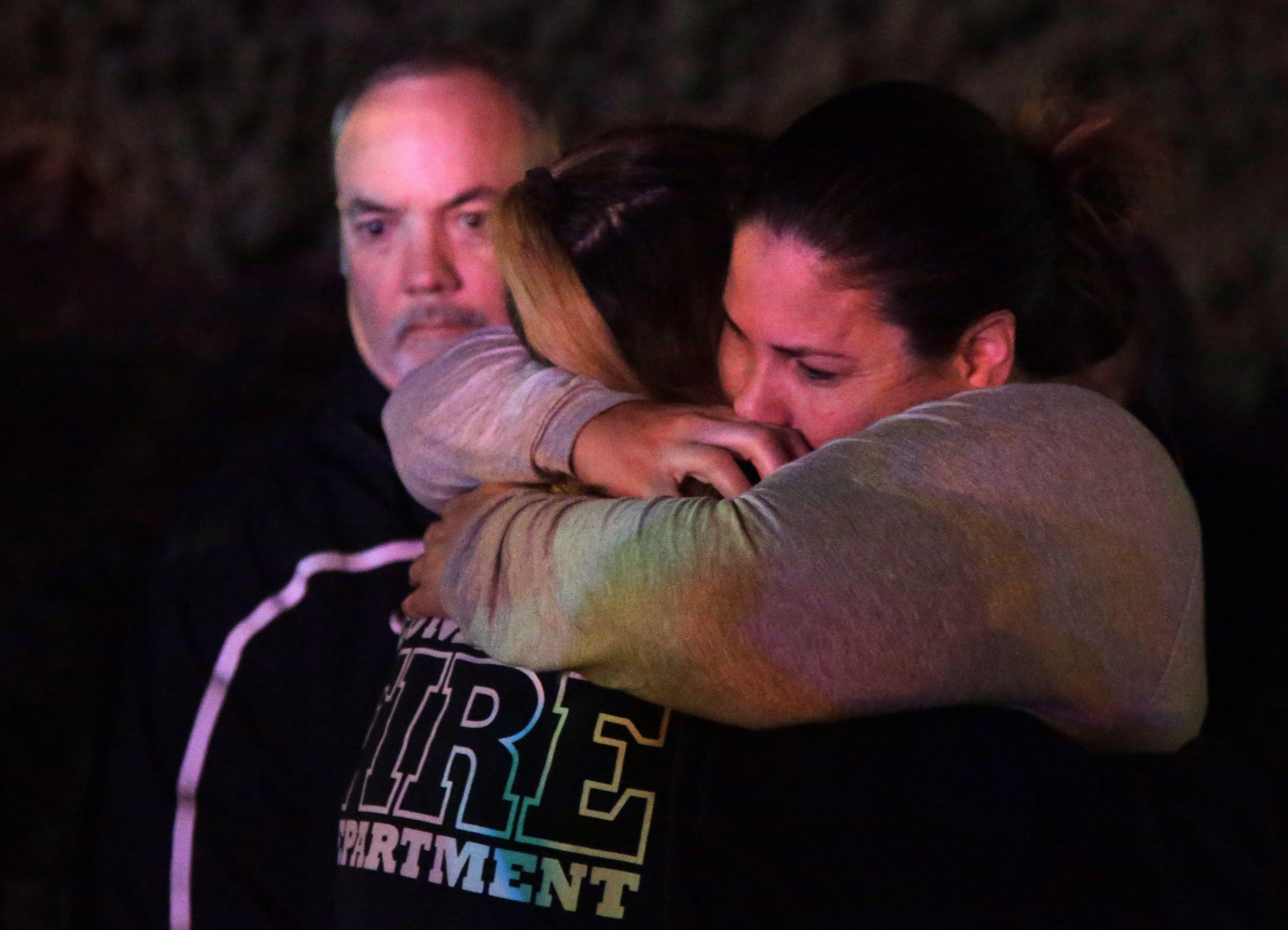 El tiroteo en el que al menos 12 personas han fallecido en un bar de la localidad californiana de Thousand Oaks, cuyo autor ha muerto también, es uno de los sucesos mas mortíferos de las últimas dos décadas en EEUU