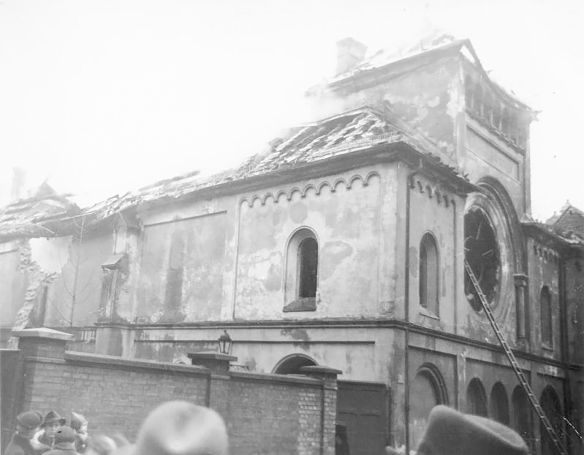 Sinagoga atacada en la noche de los cristales rotos, hace 80 años.