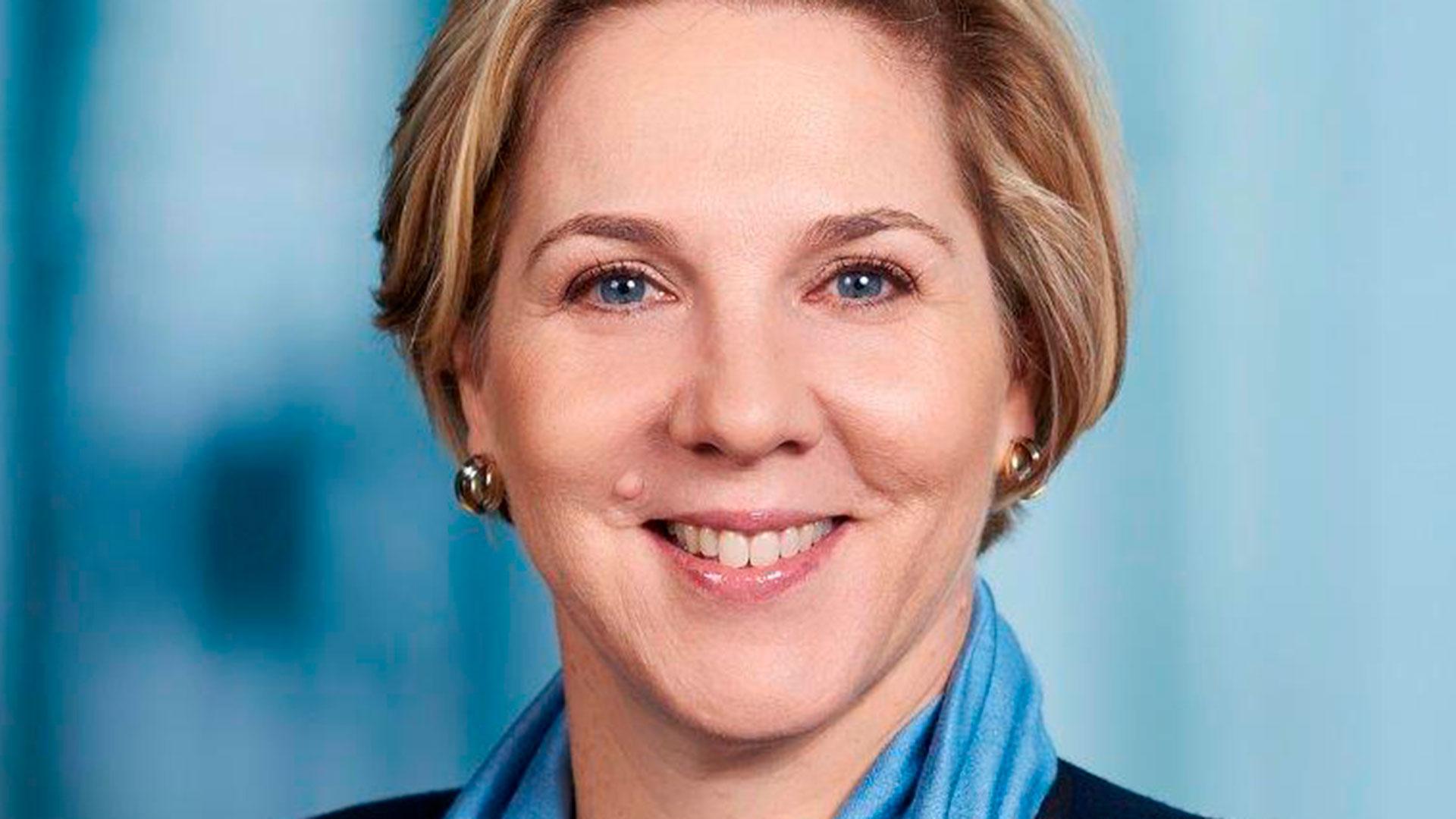 La junta del fabricante de vehículos eléctricos y paneles solares nombró a la ejecutiva australiana de las telecomunicaciones Robyn Denholm como presidenta, con efecto inmediato