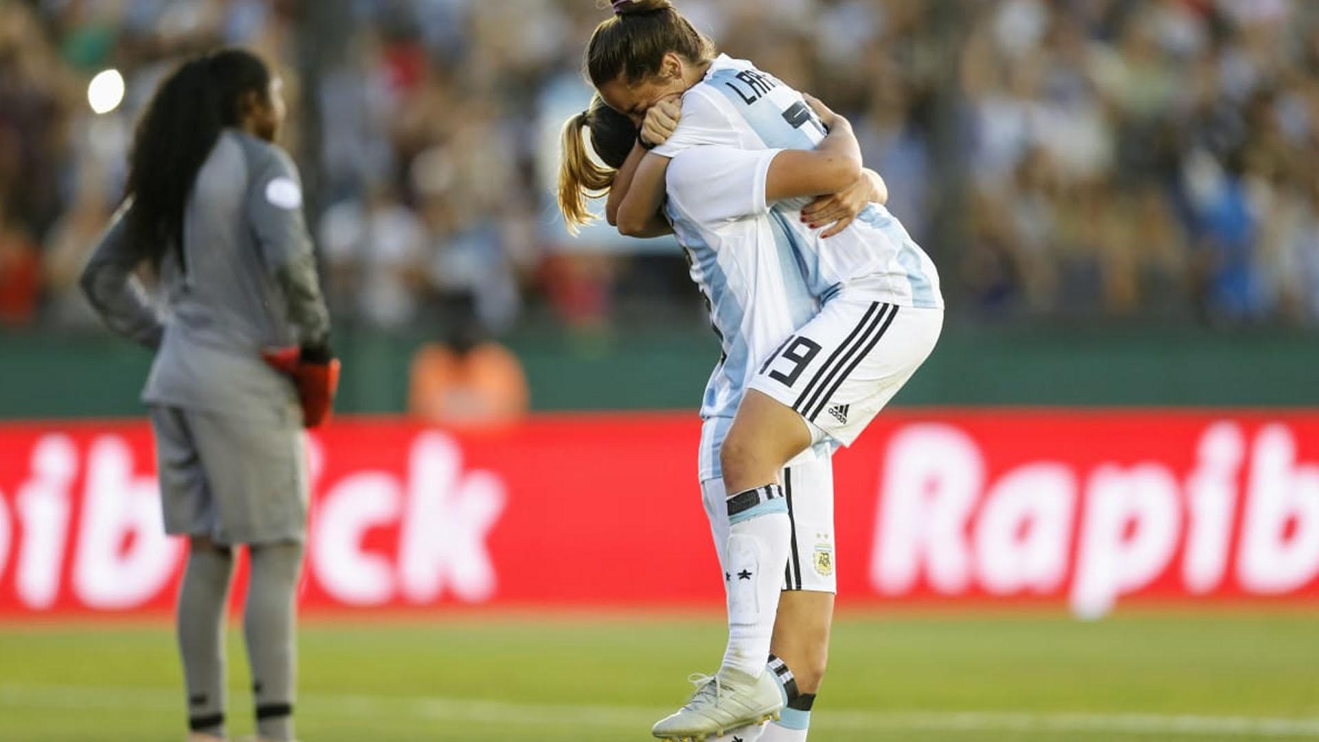 El seleccionado de fútbol femenino está a un paso de volver a disputar un Mundial luego de once años (Nicolás Aboaf)