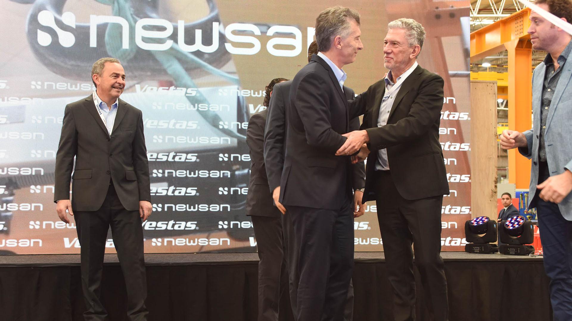 Mauricio Macri, Ruben Cherñajovsky y el danés Jean Marc Lecheneen la inauguración de la planta