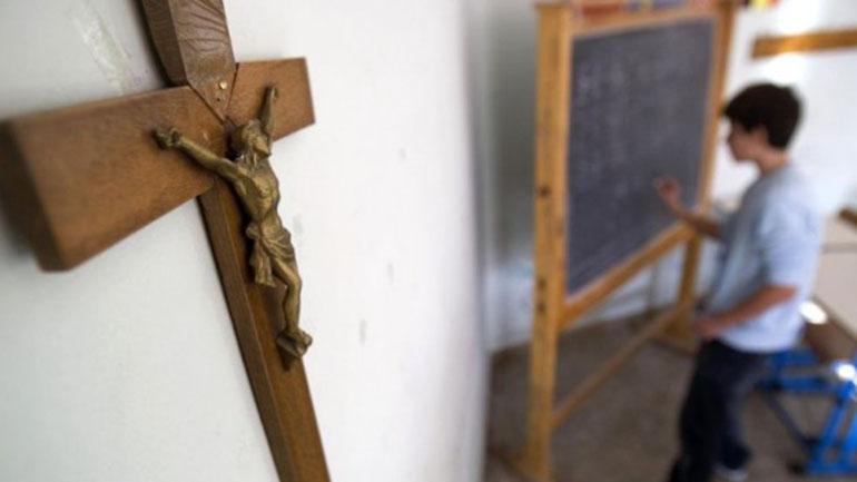 Rosario dictó una resolución para remover los crucifijos de los hospitales y escuelas públicas