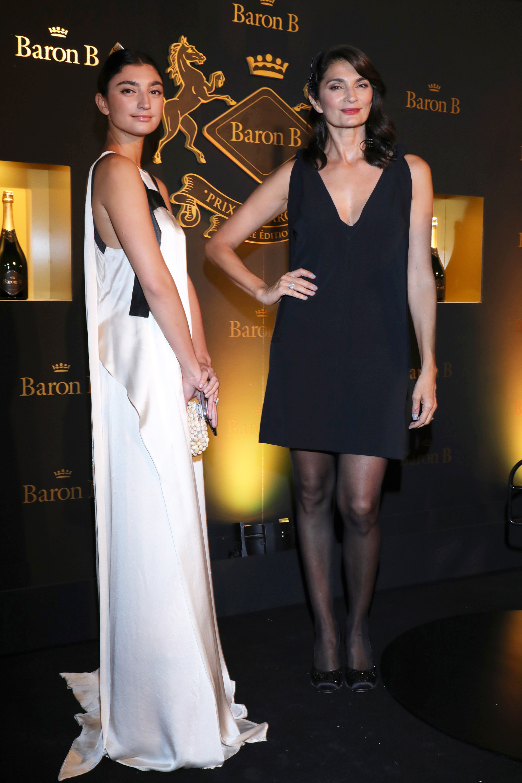 Paloma Cepeda y Mariana Arias.