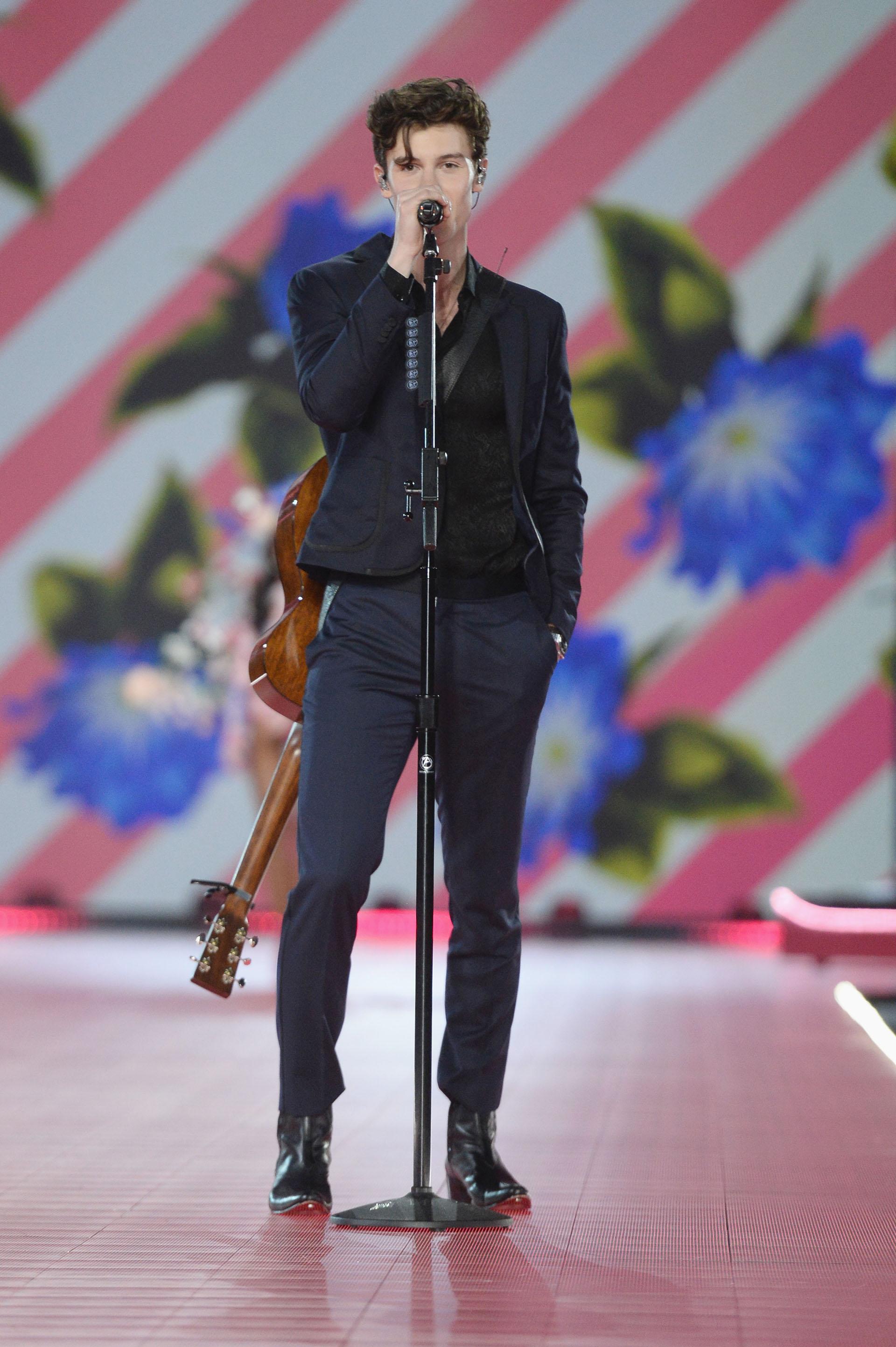 Sean Mendes, otro de los artistas que contagió de energía la pasarela