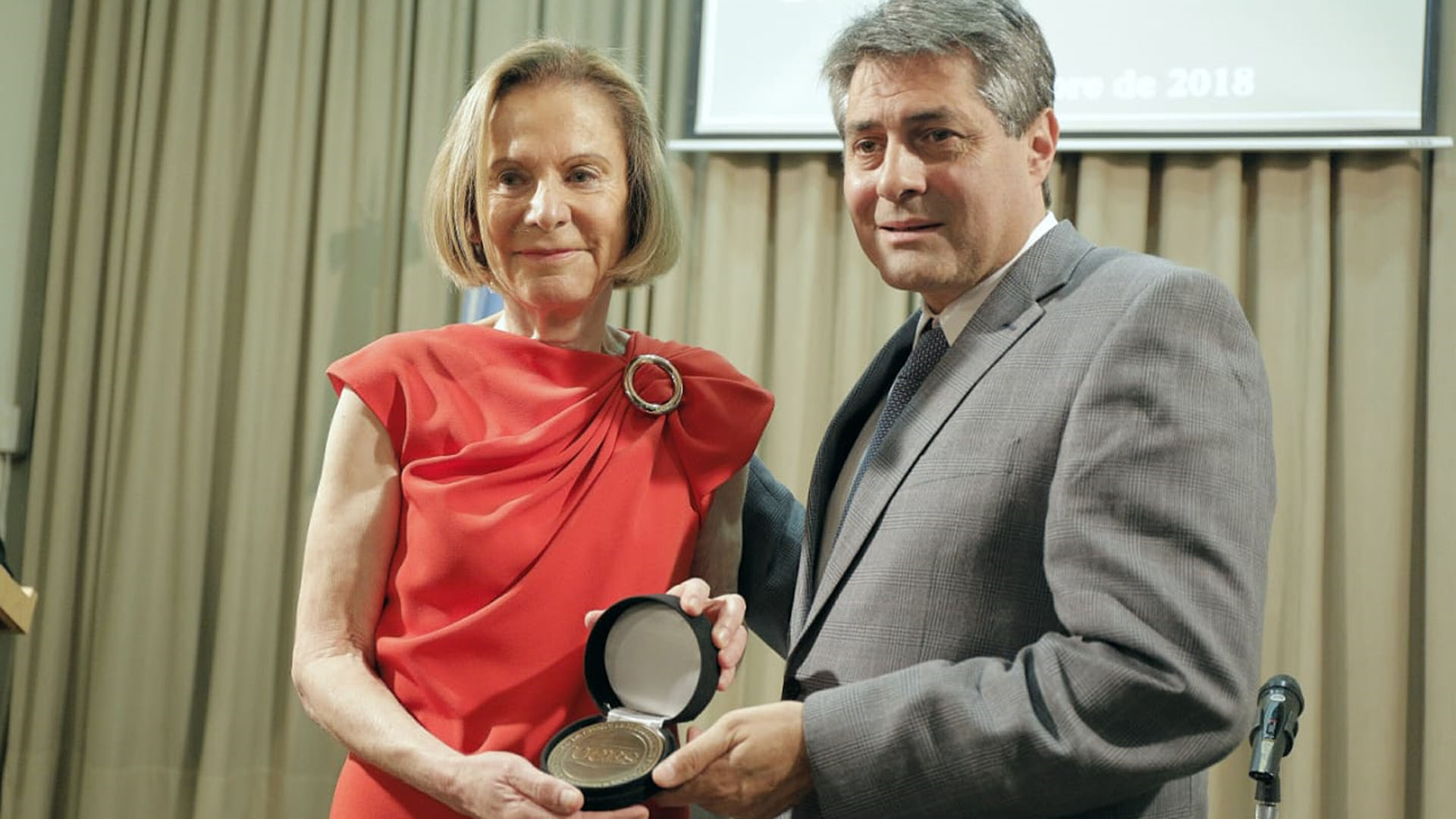 La juez Inés Weinberg fue distinguida por la UCES