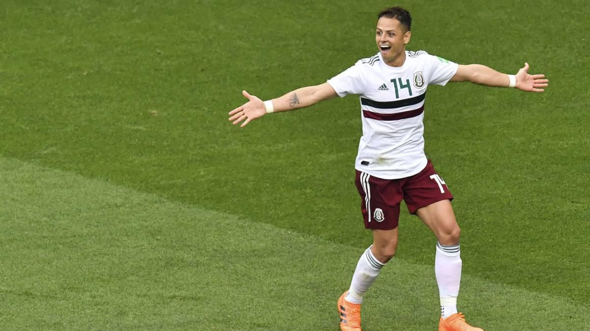 Javier Hernández no ha sido tomado en cuenta por Ricardo Ferretti (Foto: AFP)