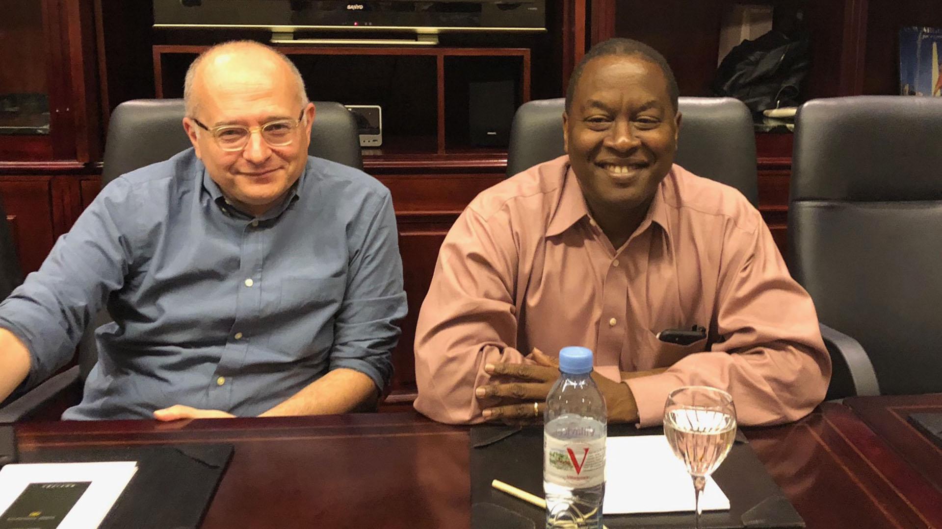 Roberto Cardarelli, responsable de la misión local, y Trevor Alleyne, el funcionario del FMI destinado a la Argentina