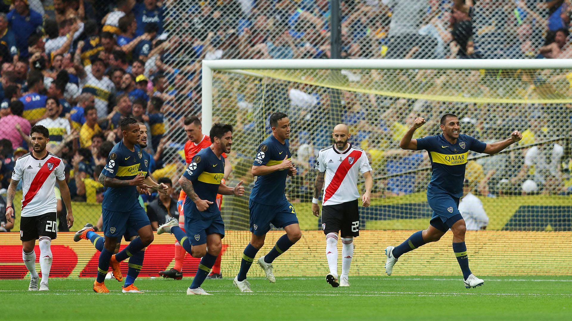 El delantero fusiló a Franco Armani en dos oportunidades para poder marcar el tanto