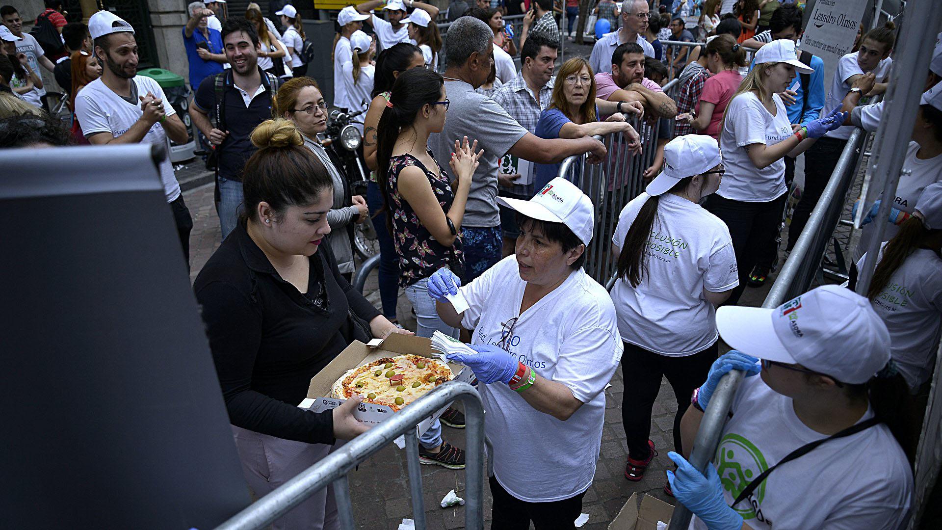 Todos disfrutaron de las pizzas e empanadas