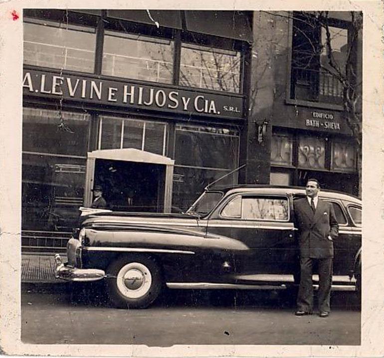 Gabriel Levinas asegura que al auto utilizado para secuestrar a Eichmann fue el de su padre, un De Soto modelo 49