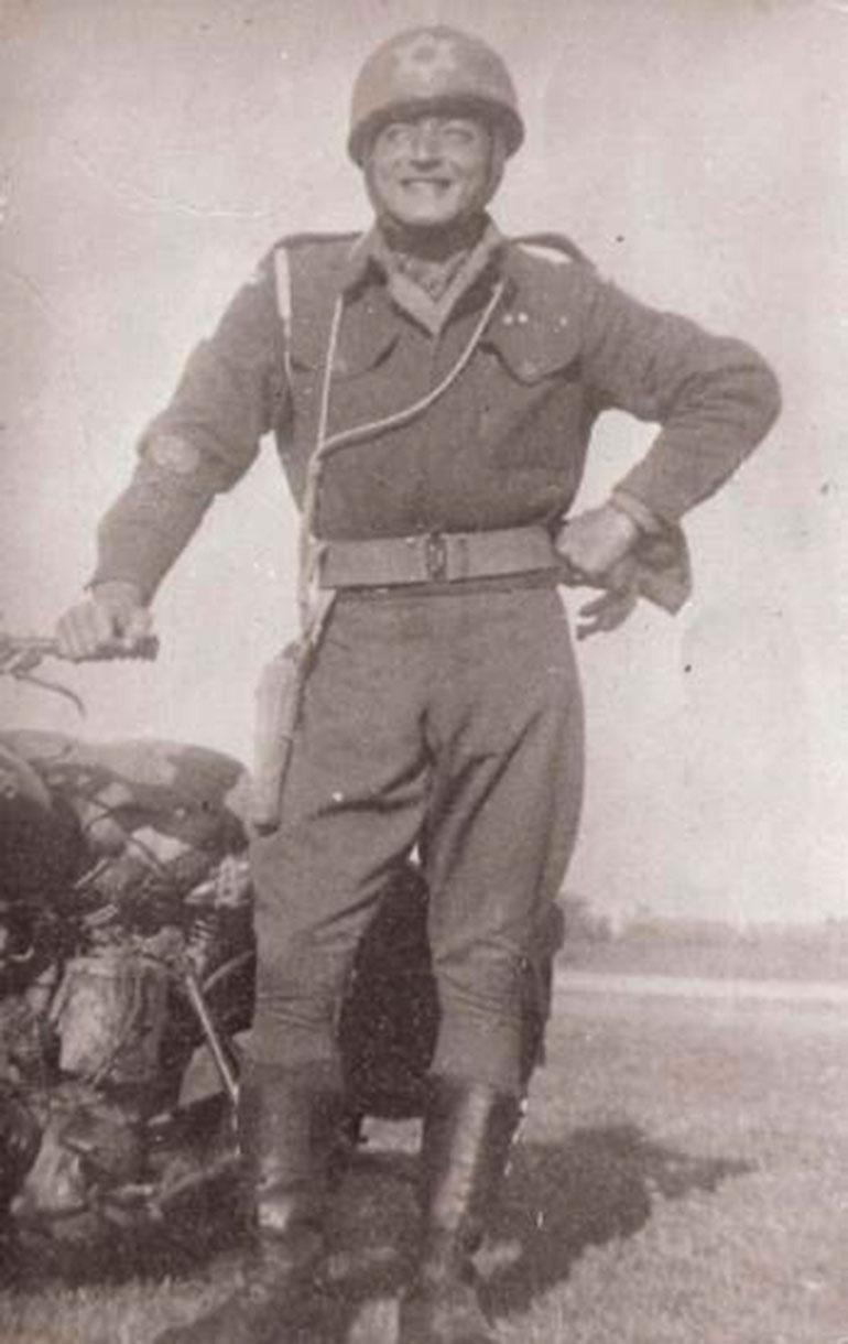El tío de Levinas, Samuel Gerstenzang, tuvo participación en la captura de Eichmann.