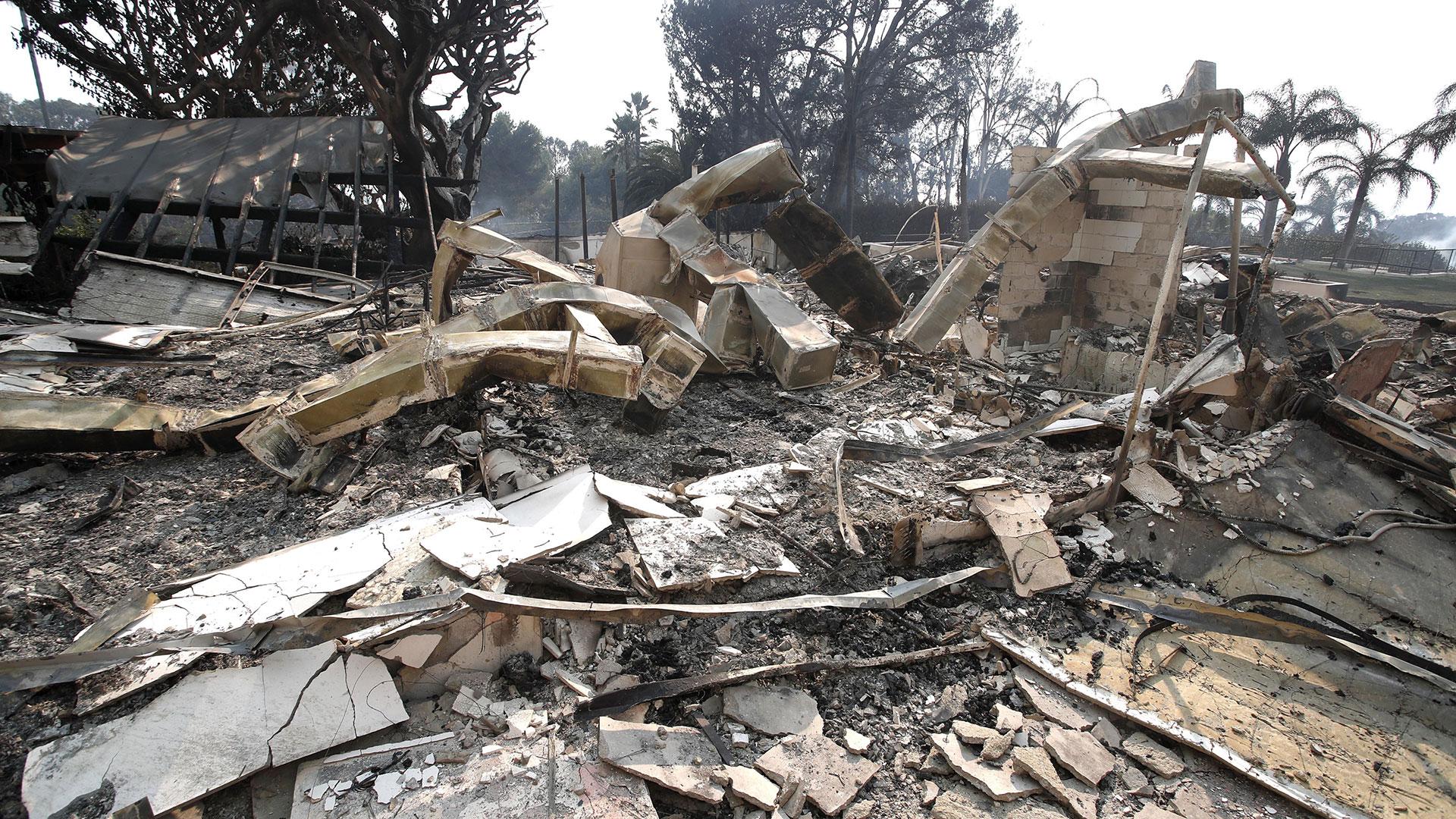Los restos de la casa de Robin Thicke en Woolsey, Malibú