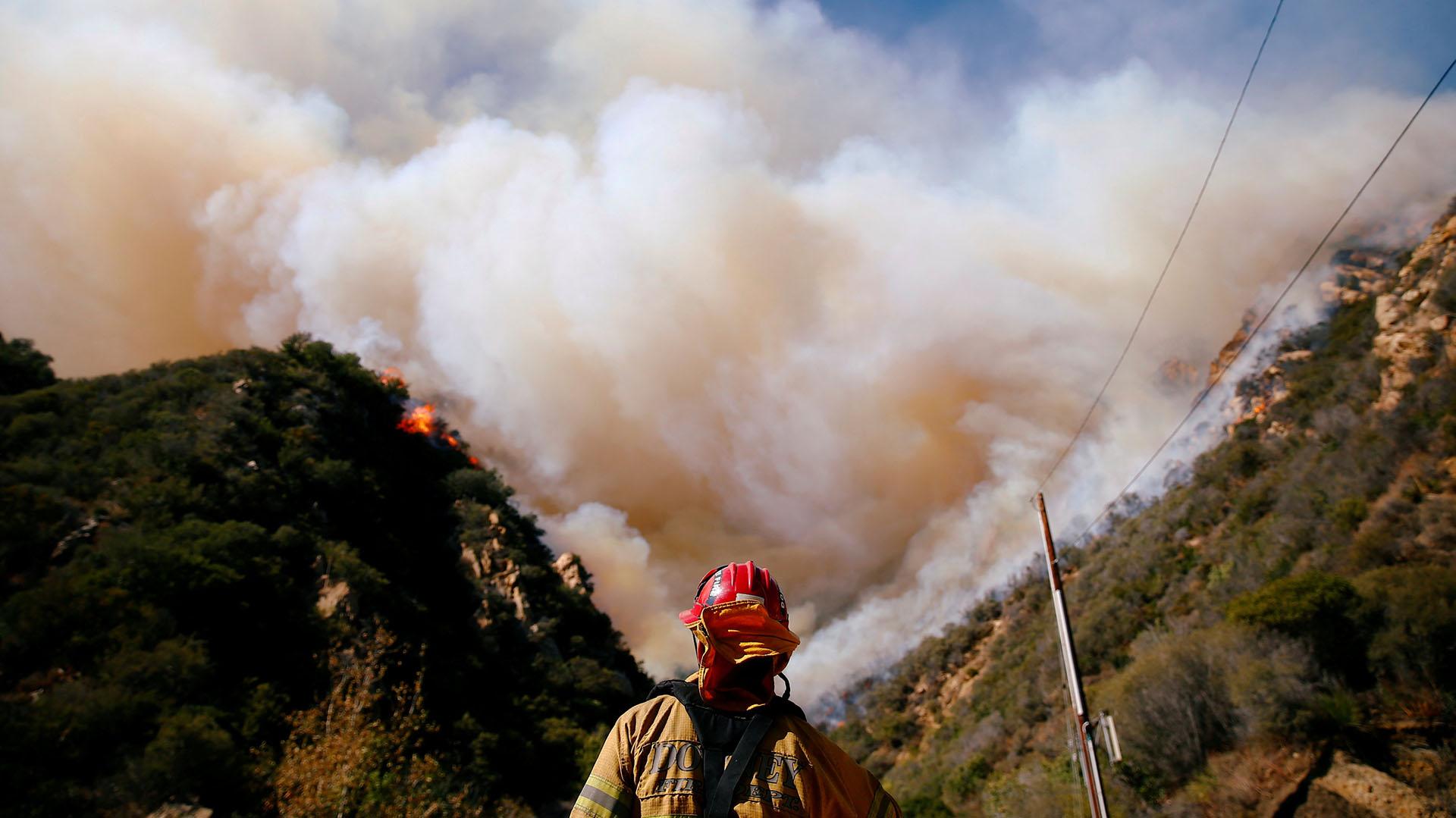 Los incendios forestales Camp y Woolsey devastaron California dejaron 85 muertos y destruyeron unos 14.000 hogares. Científicos han demostrado que el cambio climático ha aumentado el número de incendios en la región