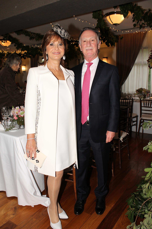 Gustavo Weiss, presidente de la Cámara de la Construcción, y su mujer Myrian Levy