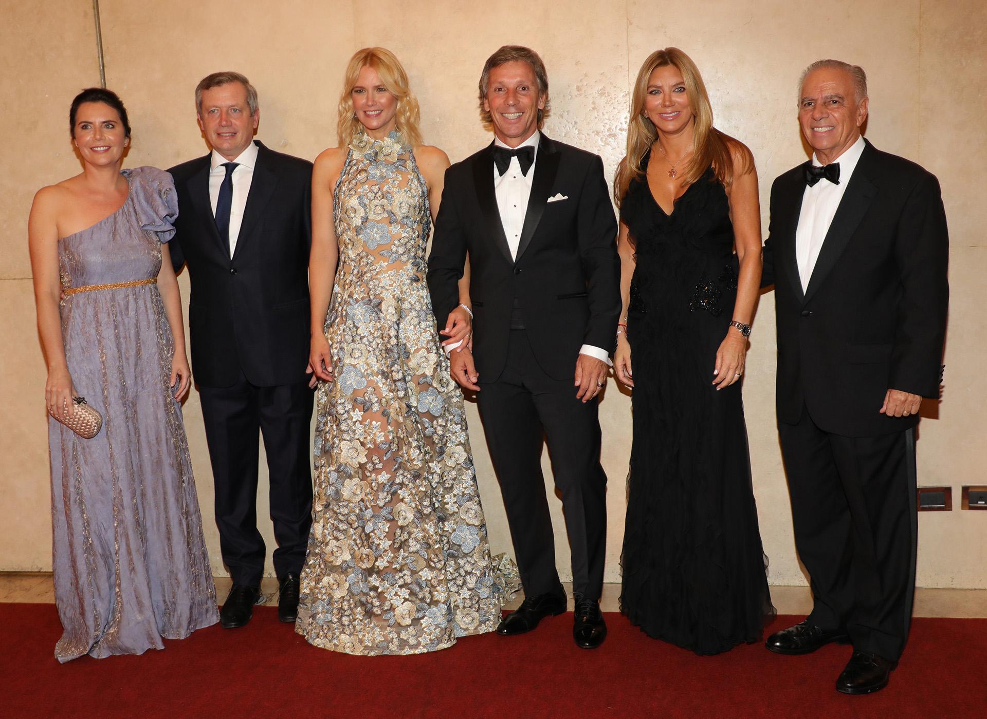 El presidente de la Cámara de Diputados, Emilio Monzó, y su mujer Karen Sánchez; Valeria Mazza y Alejandro Gravier; y Bettina y Alejandro Bulgheroni