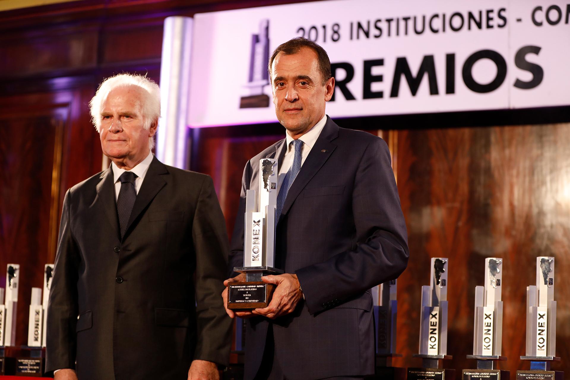 Toyota: Premio Konex de Platino – Empresa y Comunidad. En la foto, Diego Prado