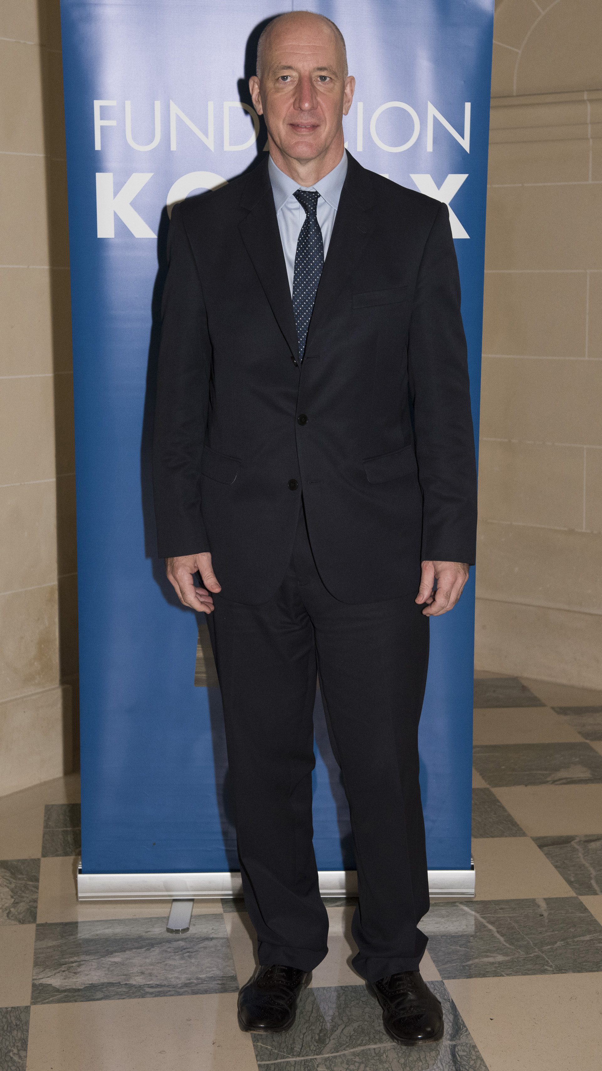 El embajador británico Mark Kent