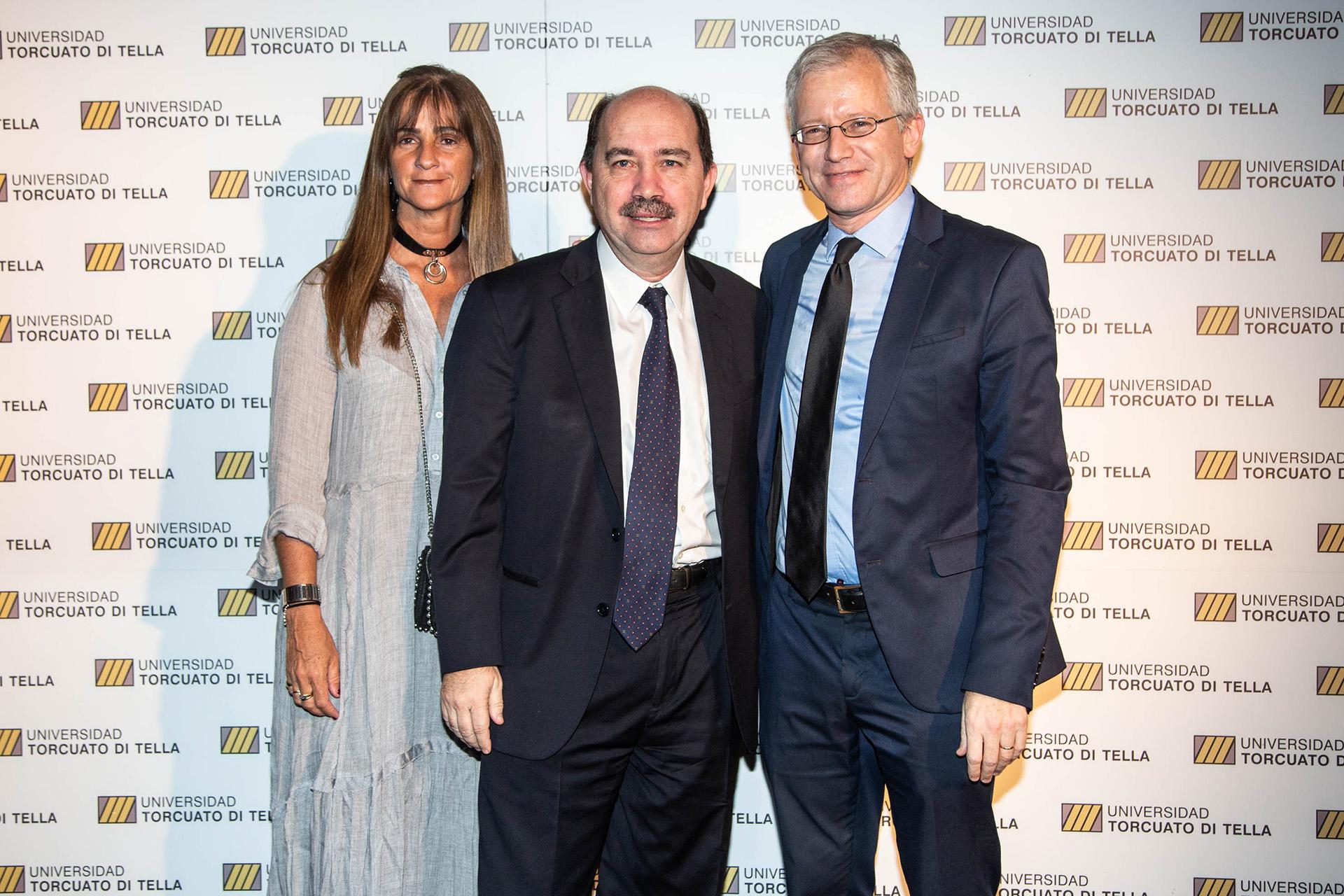 Javier Ortiz Batalla junto a su esposa