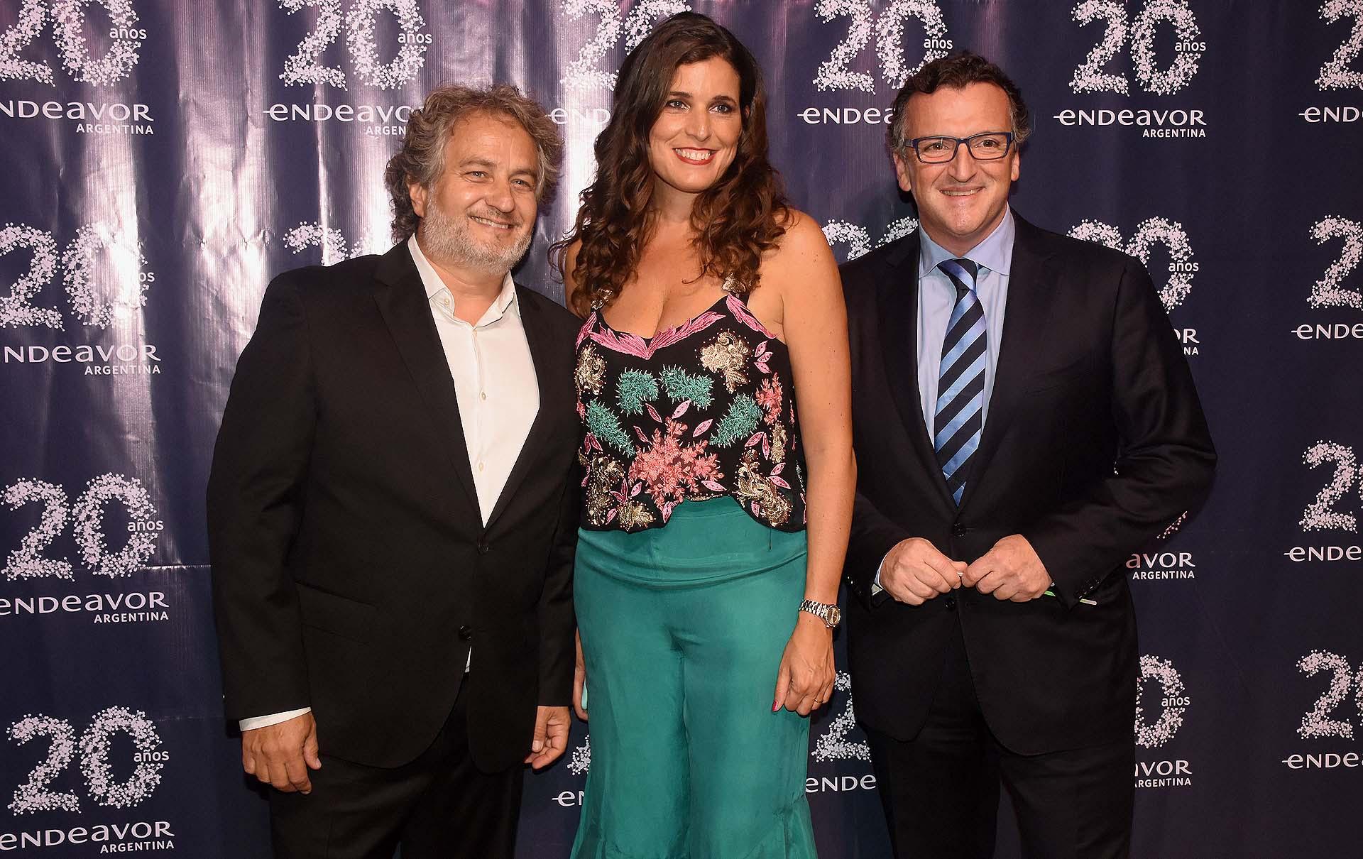 Guibert Englebienne, María Julia Bearzi y Martín Migoya, CEO y cofundador de Globant