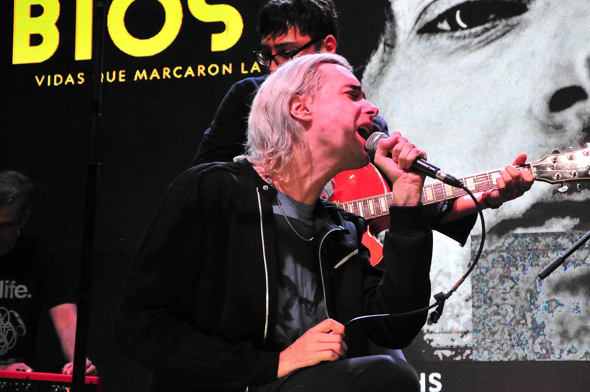 """El ex líder de Soda Stereo es uno de los artistas retratados en """"BIOS. Vidas que marcaron la tuya"""" que se emitirá en toda América Latina"""