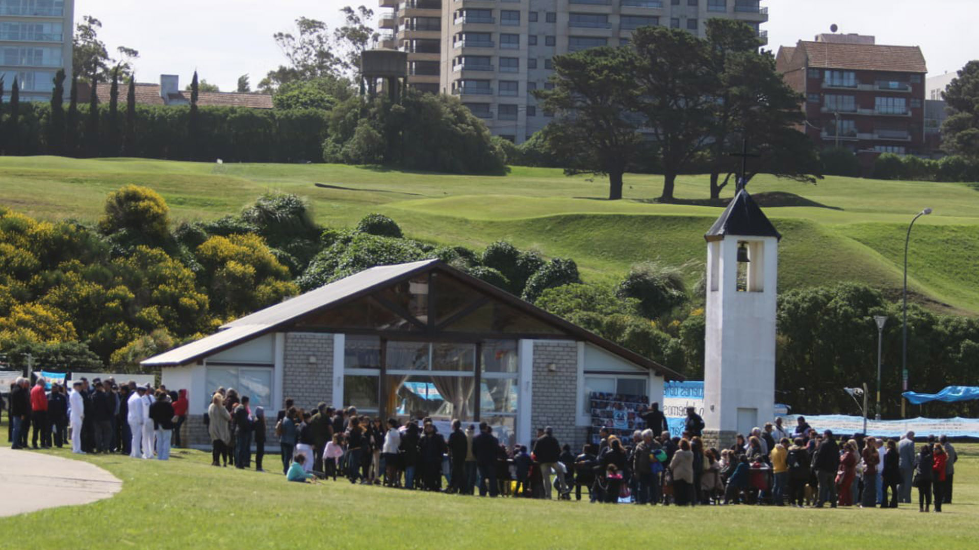 Los familiares de las víctimas estuvieron presentes en el homenaje