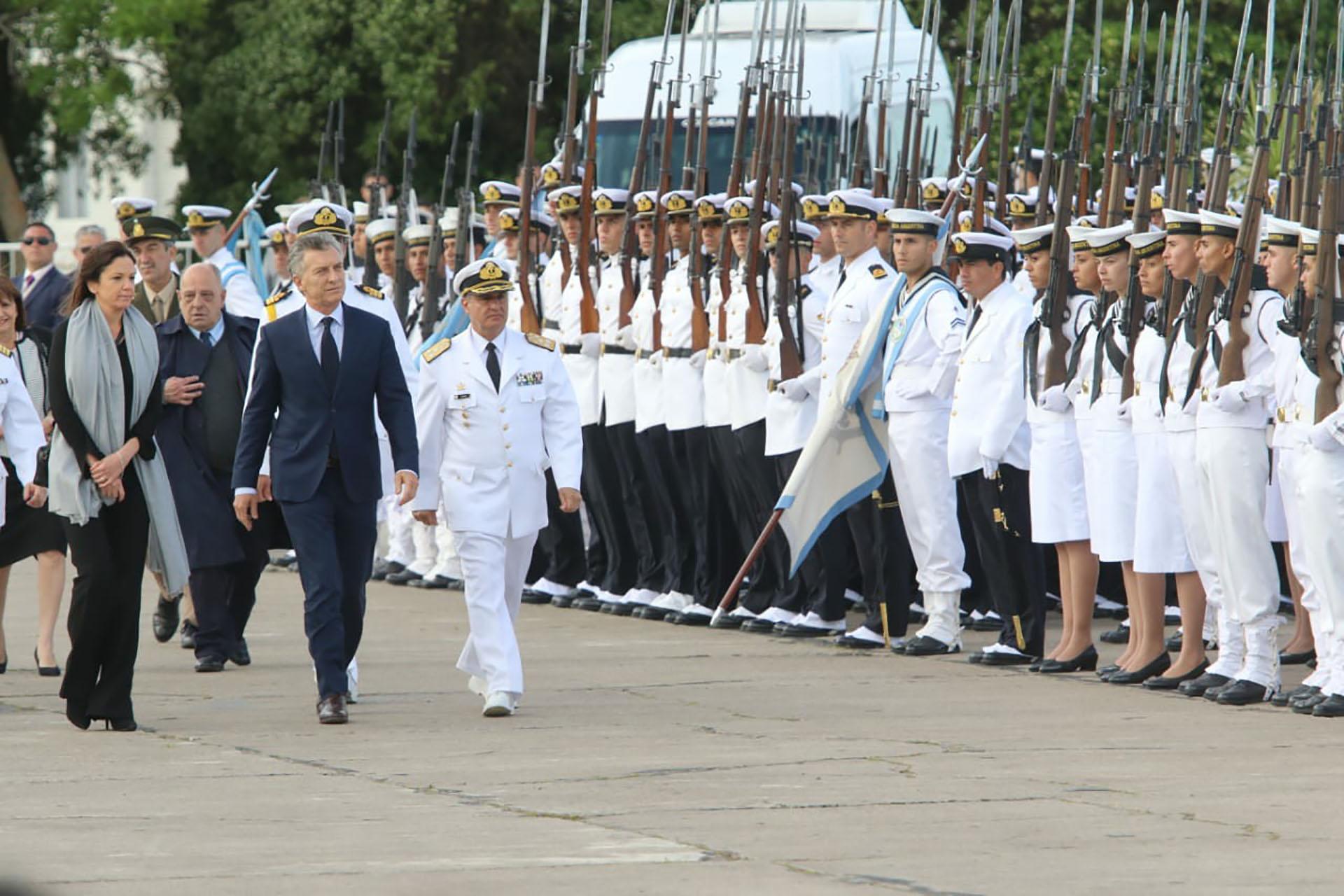 El Presidente reconoció el trabajo de los integrantes de las Fuerzas Armadas