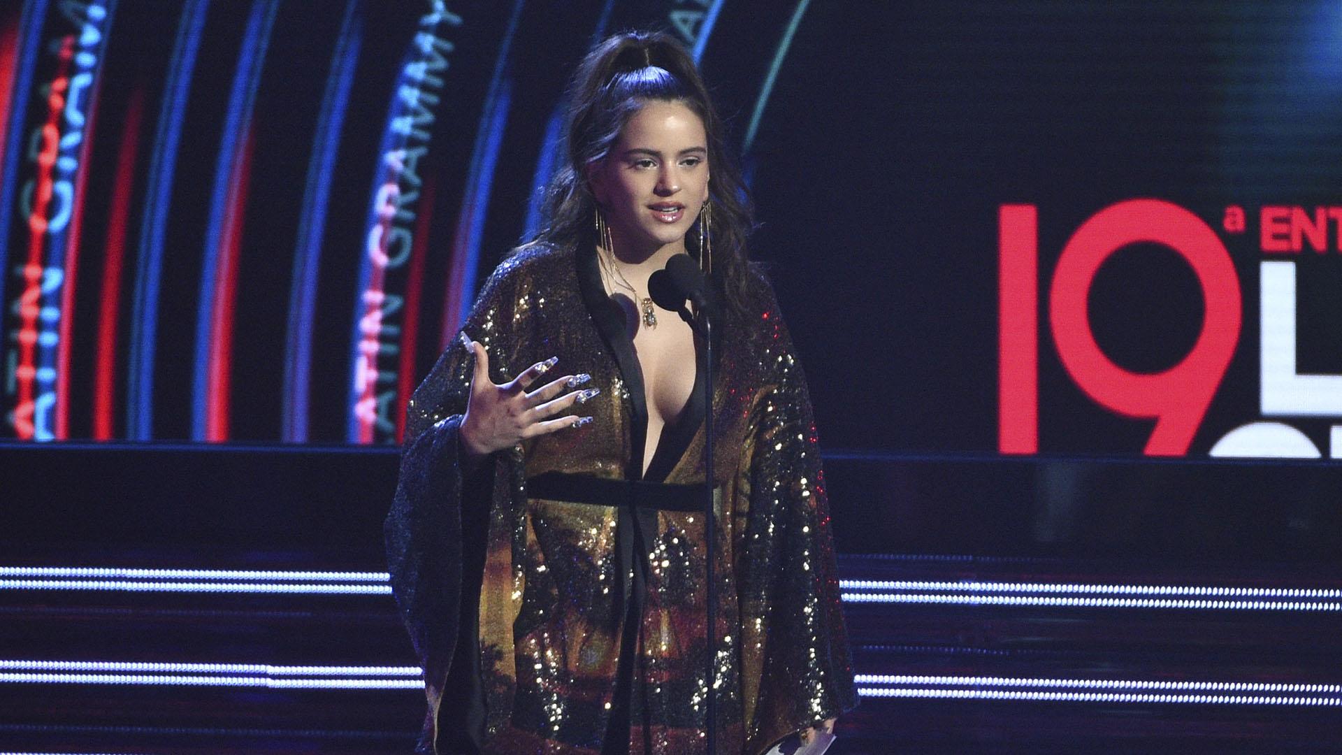 El Grammy a mejor fusión/interpretación urbana lo ganó Rosalía con su canción 'Malamente'.