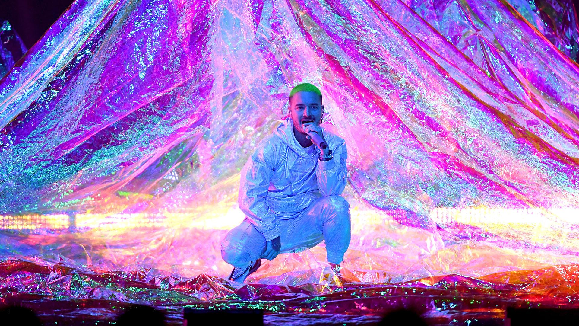 J Balvin hizo vibrar con sus hits 'Ambiente' y 'vibras'