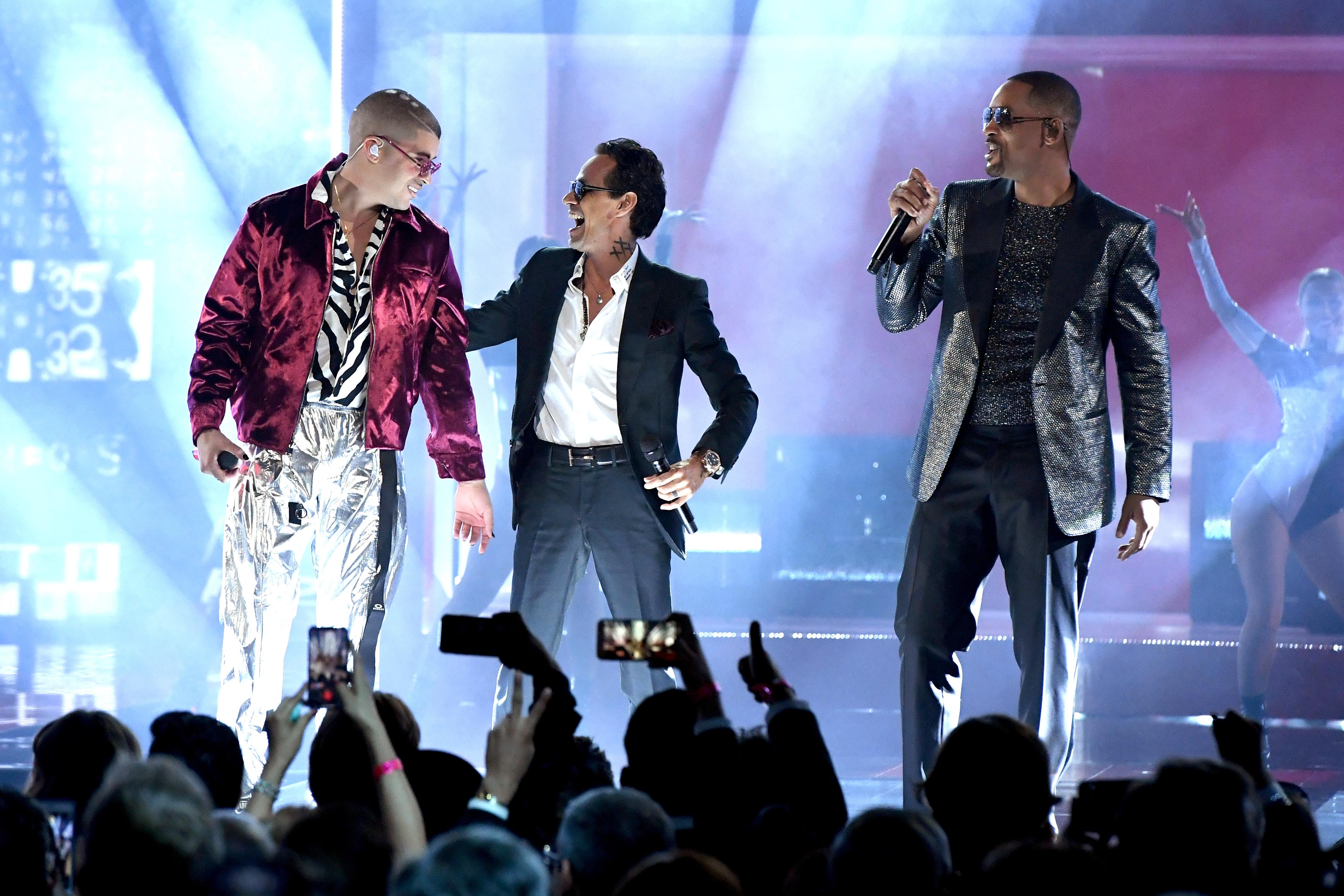 Bad Bunny, Marc Anthony y Will Smith abrieron la 19ª edición de los Grammy Latinos con Está Rico.