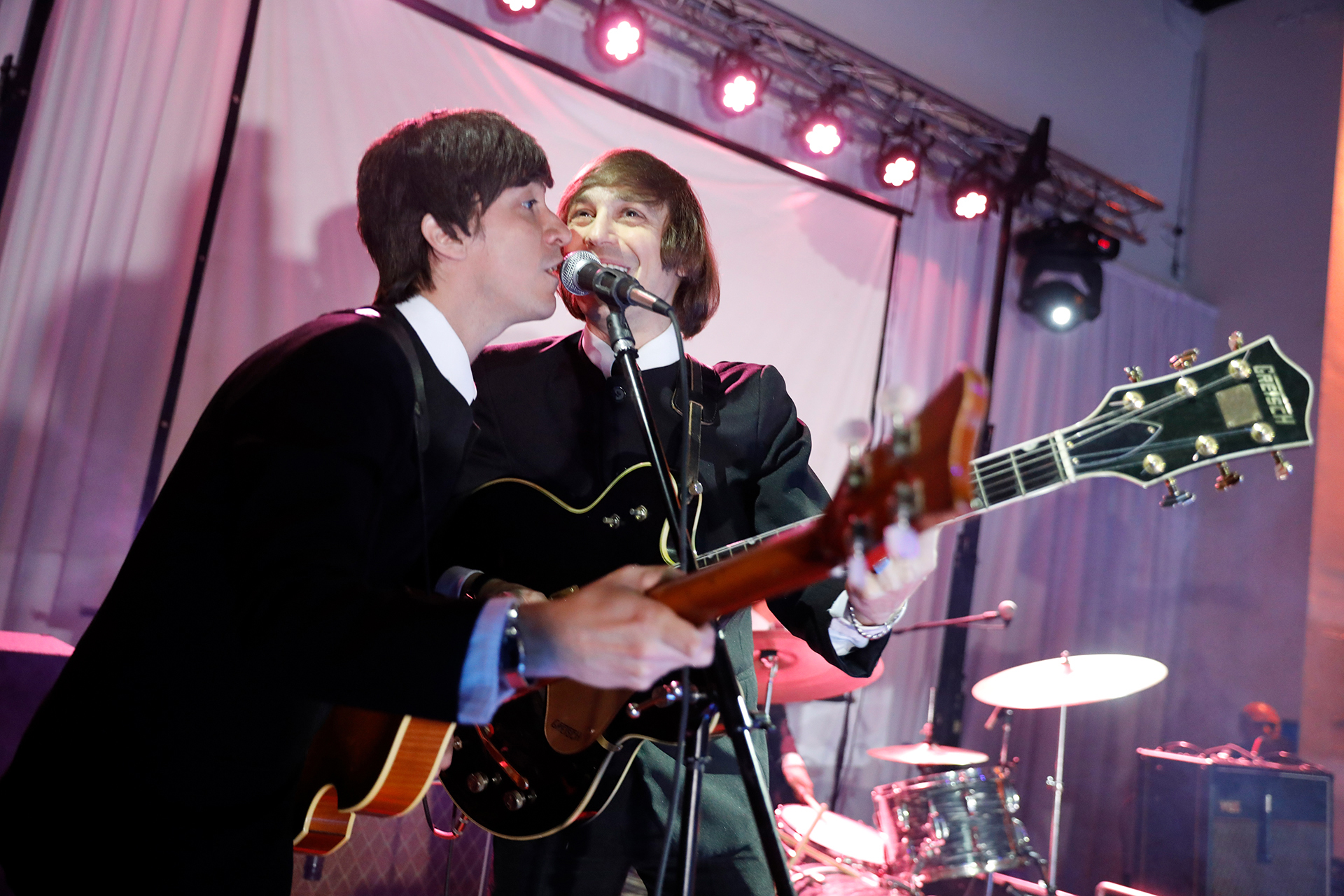 Celebrando sus 30 años, la banda The Beats realizó un tributo a The Beatles interpretando sus temas más célebres