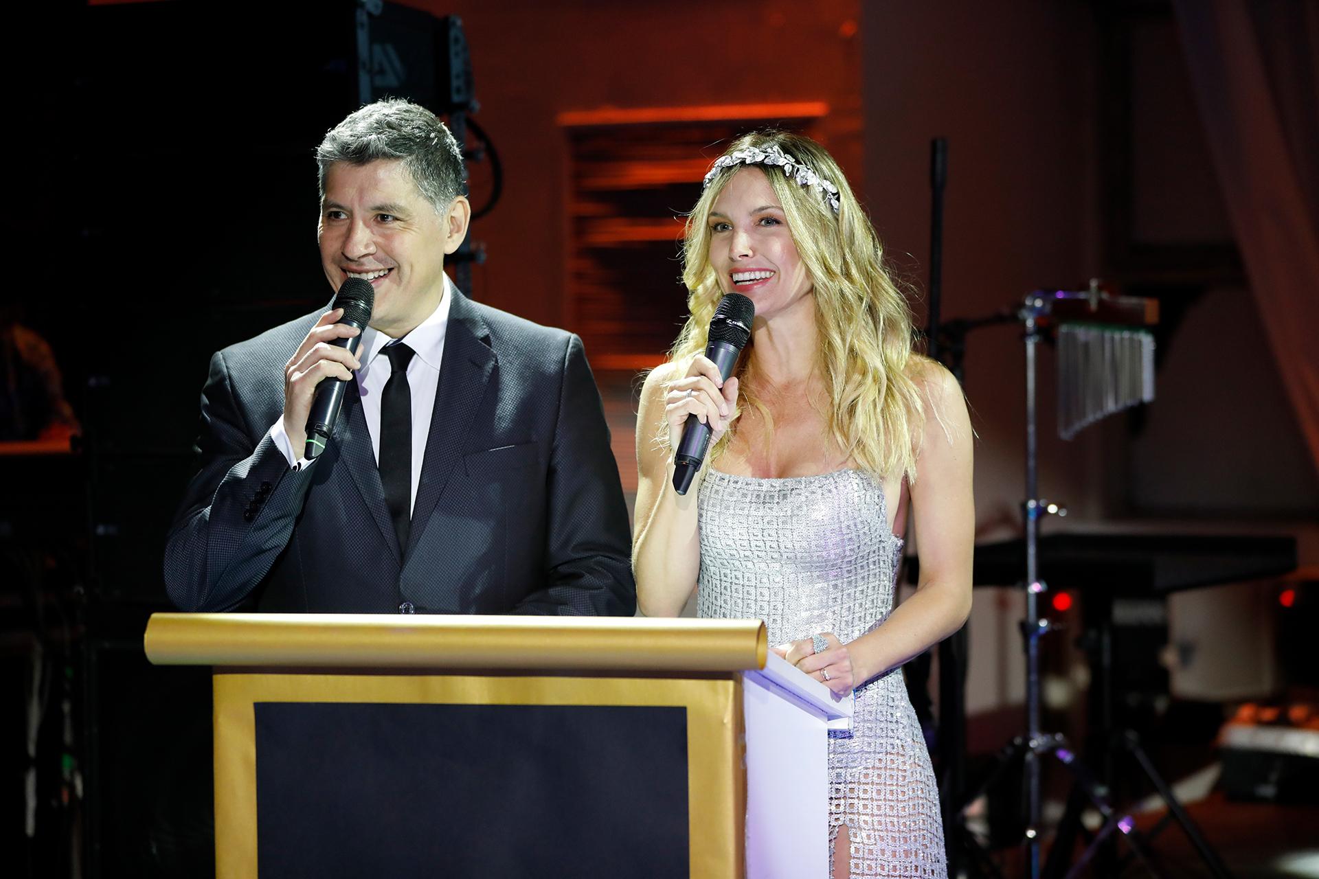 Guillermo Lobo y Sofía Zámolo, los conductores de la gala