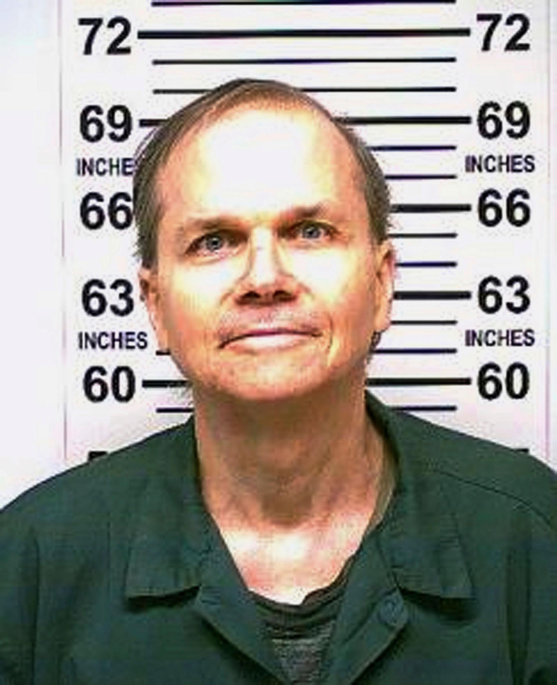 A Mark David Chapman le negaron por décima vez el beneficio de la libertad condicional (AP)