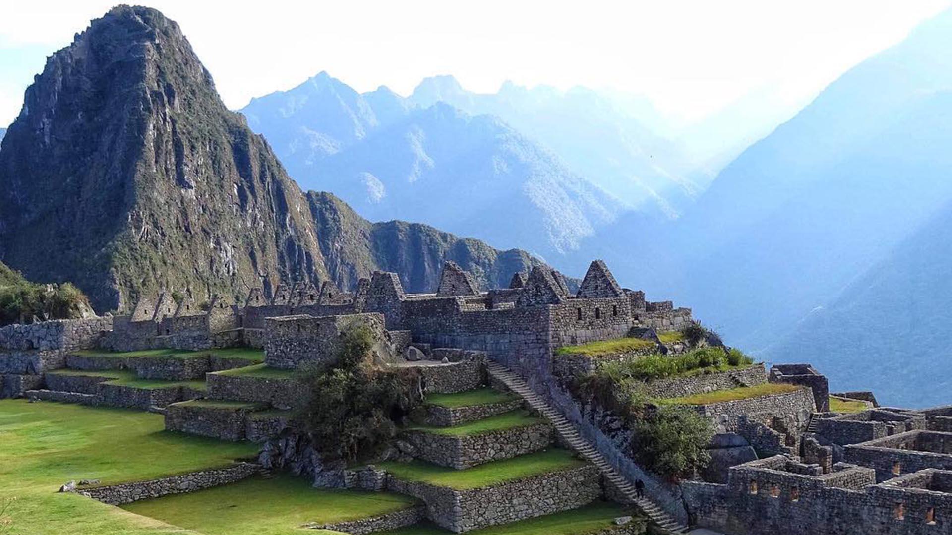 Desde 2007 es considerada una de las nuevas siete maravillas del mundo. Perú, en un acuerdo con la UNESCO, está tratando de hacer todo lo posible para proteger Machu Picchu (@manadelsol_)