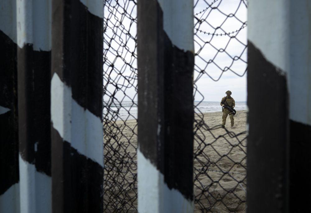 Agente de la Patrulla Fronteriza de EEUU (Foto: AFP)