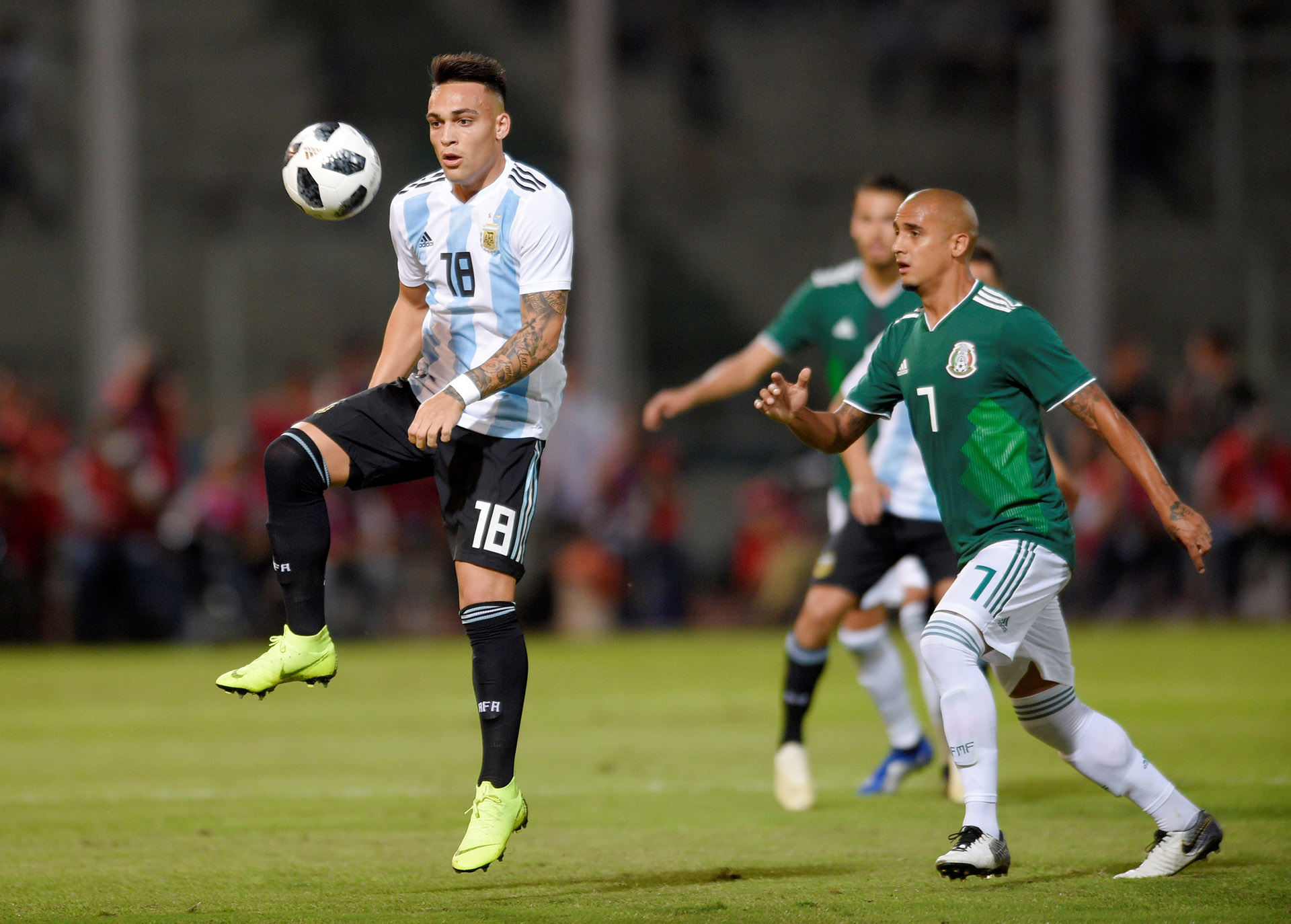 Lautaro Martínez fue la apuesta ofensiva de Scaloni (Reuters)