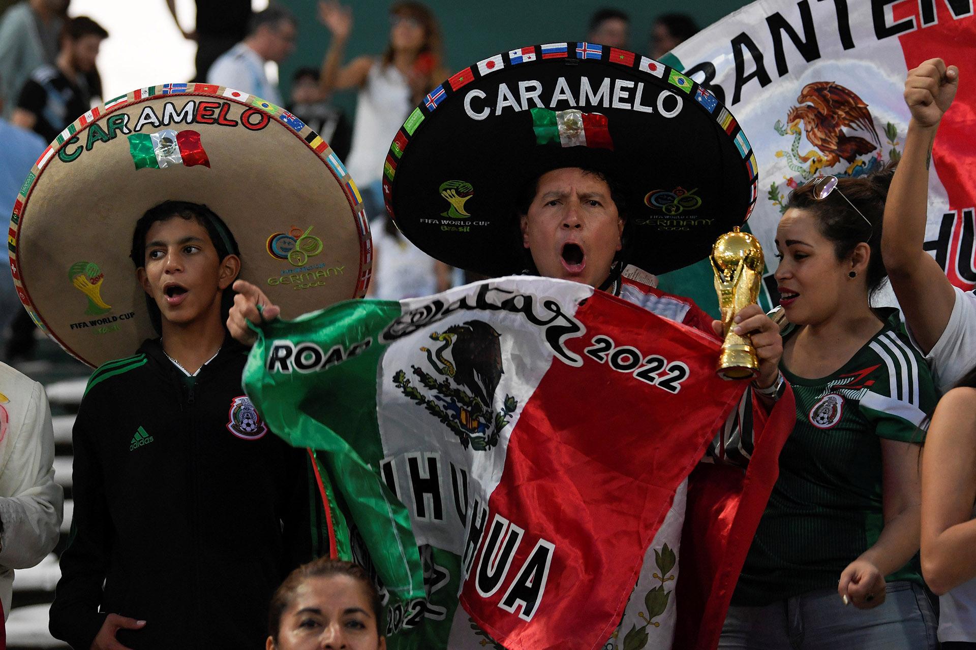 El color de los simpatizantes mexicanos (Reuters)
